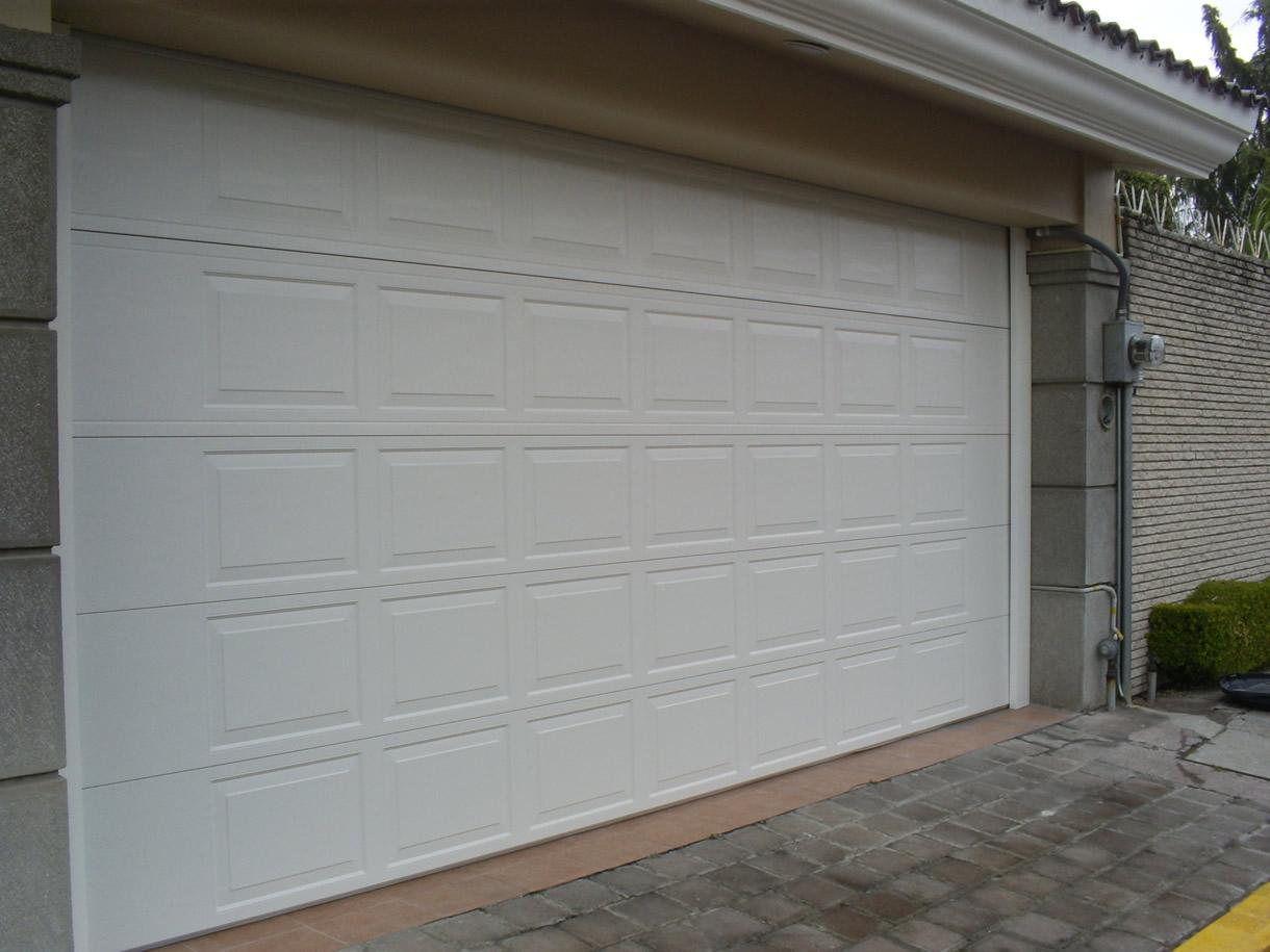 Puertas metalicas garaje parte u seguridad en puertas de - Puertas para cocheras electricas ...